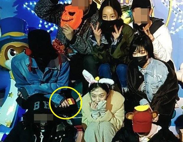 Tình sử của G-Dragon: Từ bạn gái tin đồn đến người yêu công khai đều xinh đẹp đáng ghen tị - Ảnh 26.
