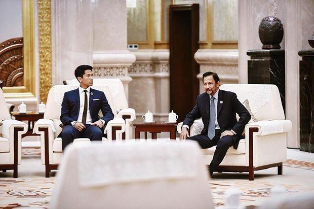 Chân dung hoàng tử nổi tiếng Brunei: Đẹp trai sáng láng, cuộc sống xa hoa ngút trời lại có tới 747 nghìn follower Instagram - Ảnh 25.