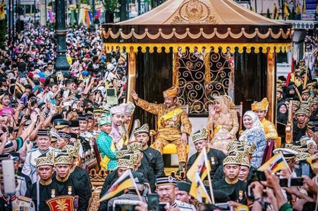Chân dung hoàng tử nổi tiếng Brunei: Đẹp trai sáng láng, cuộc sống xa hoa ngút trời lại có tới 747 nghìn follower Instagram - Ảnh 26.