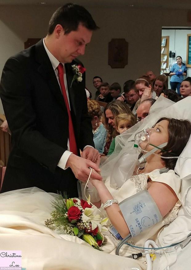 Quyết không để cái chết chia lìa, chàng trai cưới người con gái mình yêu ngay trên giường bệnh - Ảnh 4.