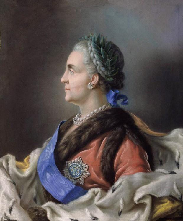 Tình sử phóng đãng của Nữ hoàng vĩ đại nhất nước Nga: 18 người tình, có người nhỏ hơn đến 40 tuổi - Ảnh 4.