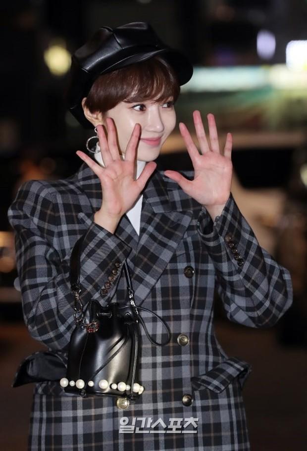 Mỹ nhân She was pretty đẹp bất chấp, Eunji (A Pink) bỗng lộ mặt trắng bệch bóng nhờn dọa fan tại tiệc mừng công - Ảnh 5.