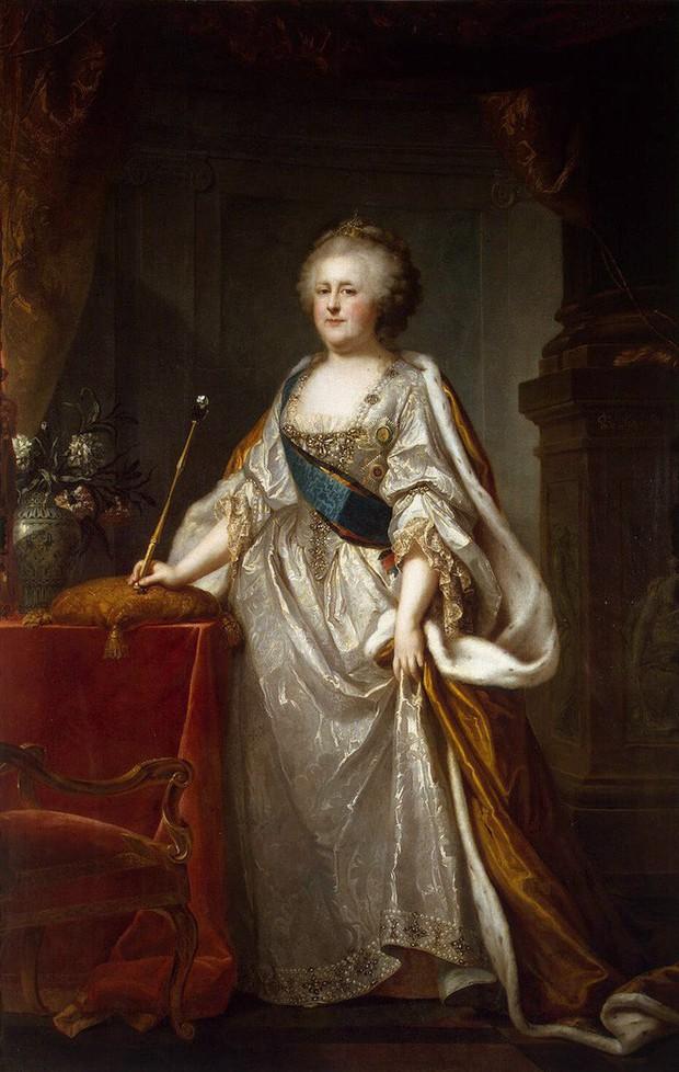 Tình sử phóng đãng của Nữ hoàng vĩ đại nhất nước Nga: 18 người tình, có người nhỏ hơn đến 40 tuổi - Ảnh 5.