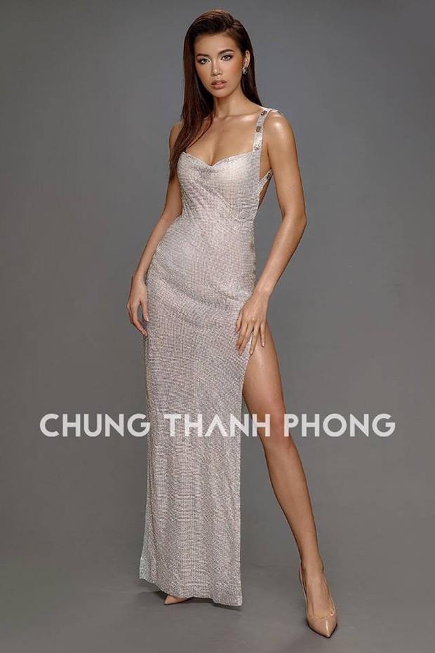 Mới đầu năm, Angela Phương Trinh và Minh Tú đã thiêu đốt thảm đỏ với những thiết kế đầm xẻ cao tít tắp - Ảnh 5.