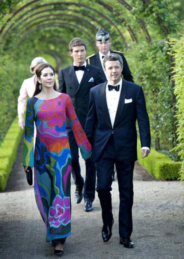 Áp lực làm dâu đầy khó khăn của nàng dâu thường dân một bước trở thành Thái tử phi Đan Mạch - Ảnh 6.