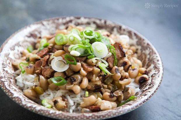 Những món ăn lấy may dịp đầu năm nổi tiếng trên thế giới - Ảnh 7.
