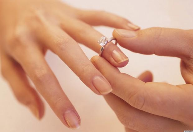 Những luật lệ hôn nhân kì lạ nhất thế giới: Philippines không cho phép ly hôn, Anh không công nhận hôn nhân tổ chức ở ngoài trời - Ảnh 9.
