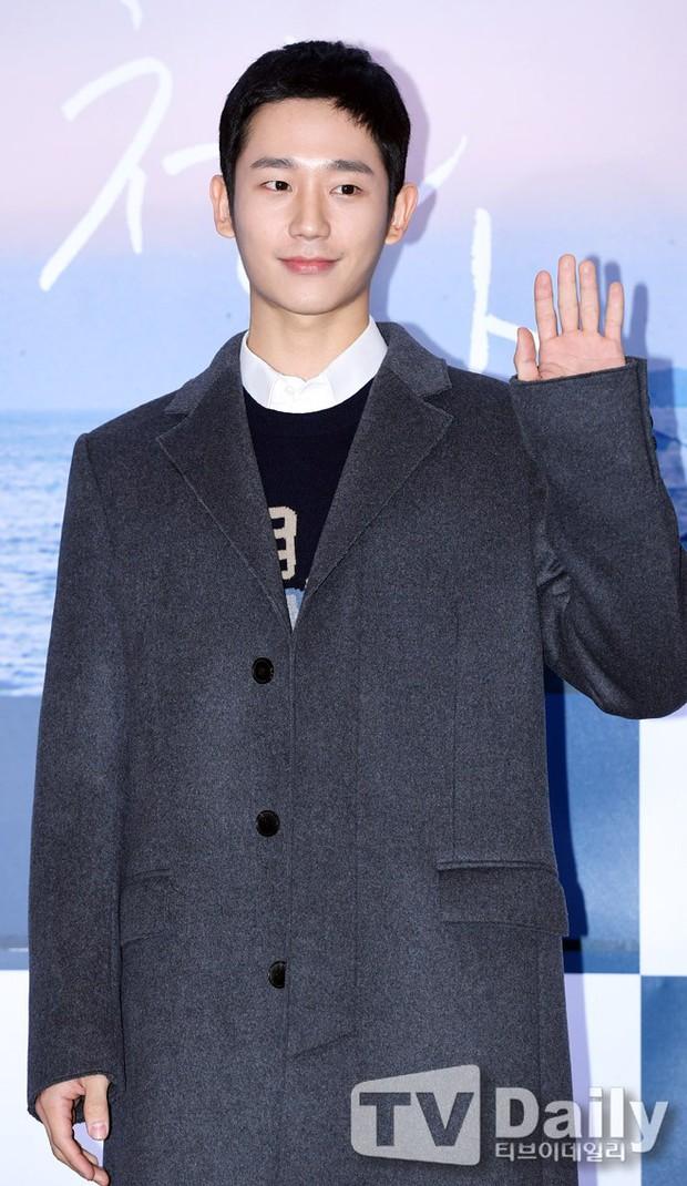 Park Bo Gum và Jung Hae In đụng độ: Fan nữ vừa mất máu, vừa không biết chọn ai đẹp hơn - Ảnh 9.