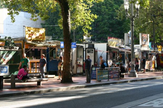 CNN vinh danh 23 khu ẩm thực đường phố đặc sắc nhất thế giới, Việt Nam tự hào có đại diện trong danh sách này - Ảnh 13.
