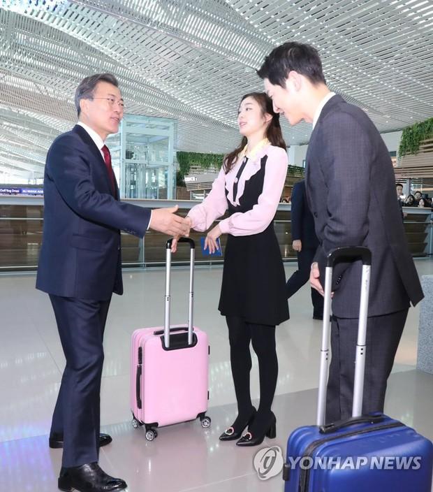 Sau vợ Song Hye Kyo, đến lượt Song Joong Ki lịch lãm, điển trai dự sự kiện tầm cỡ cùng Tổng thống Hàn - Ảnh 11.