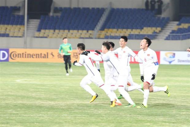HLV Park Hang Seo liên tục kêu đáng tiếc sau trận thua U23 Hàn Quốc - Ảnh 1.
