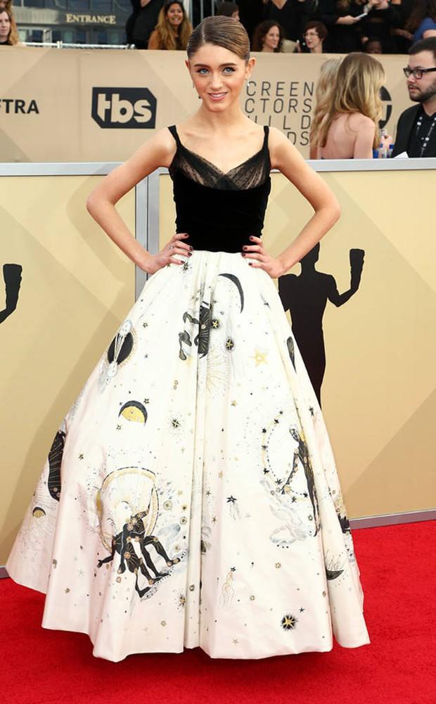Dàn mỹ nhân Hollywood lại lộng lẫy đủ sắc màu trên thảm đỏ SAG sau phong trào diện đồ đen - Ảnh 21.
