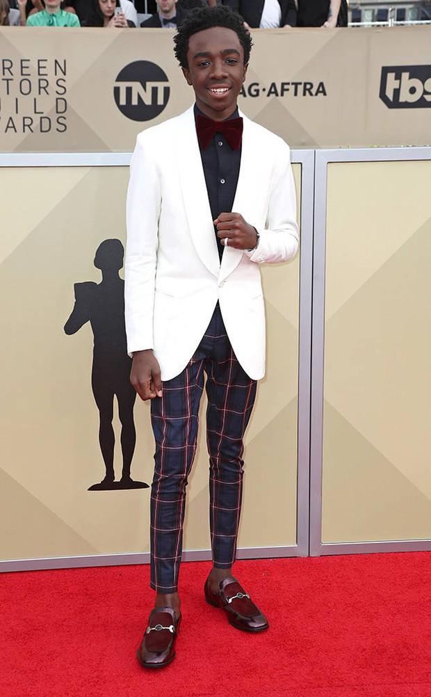 Dàn mỹ nhân Hollywood lại lộng lẫy đủ sắc màu trên thảm đỏ SAG sau phong trào diện đồ đen - Ảnh 17.