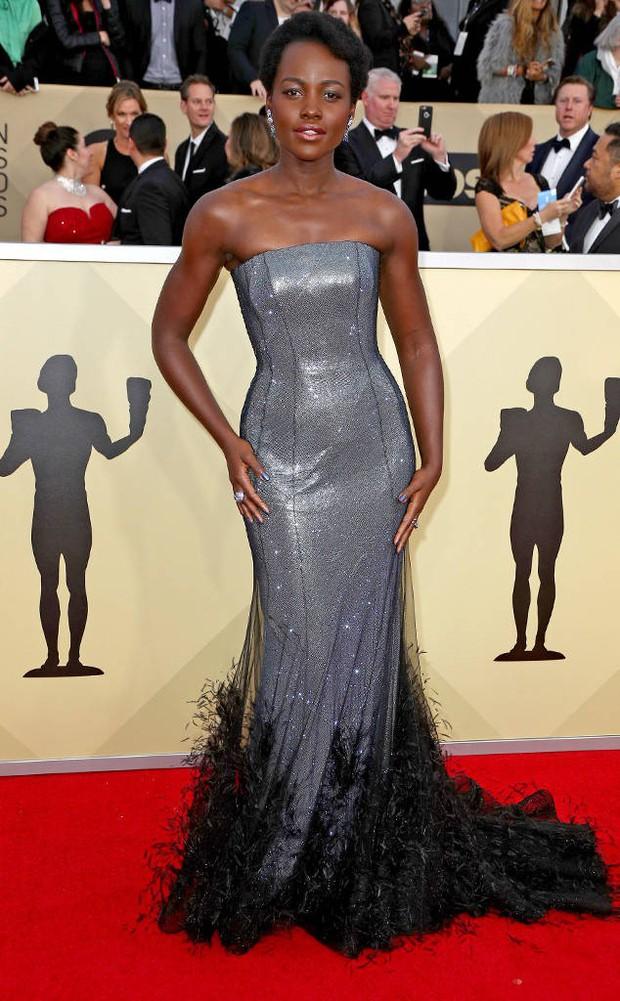 Dàn mỹ nhân Hollywood lại lộng lẫy đủ sắc màu trên thảm đỏ SAG sau phong trào diện đồ đen - Ảnh 5.