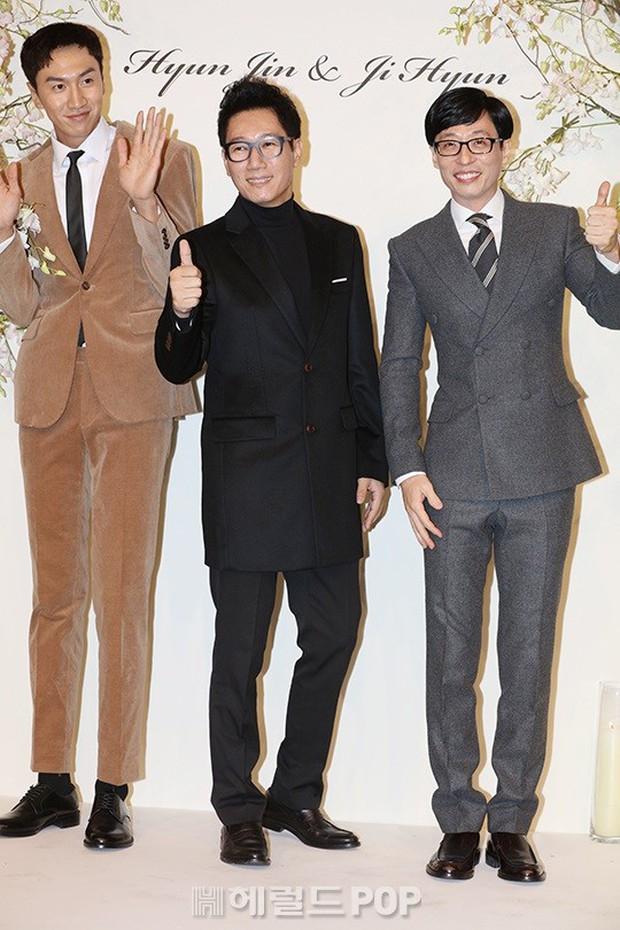 Đám cưới hội tụ toàn sao khủng: Lee Kwang Soo bỗng điển trai, Phạm Băng Băng Hàn Quốc bị mỹ nhân vô danh đè bẹp - Ảnh 2.