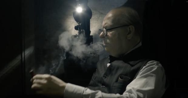 The Darkest Hour - Diễn xuất bậc thầy của Gary Oldman soi sáng giờ đen tối của nước Anh - Ảnh 2.