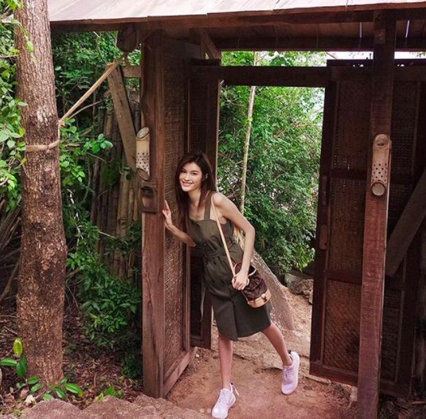 Chân dài Victorias Secret đình đám Sui He bất ngờ khoe loạt ảnh gợi cảm tại Nha Trang - Ảnh 4.