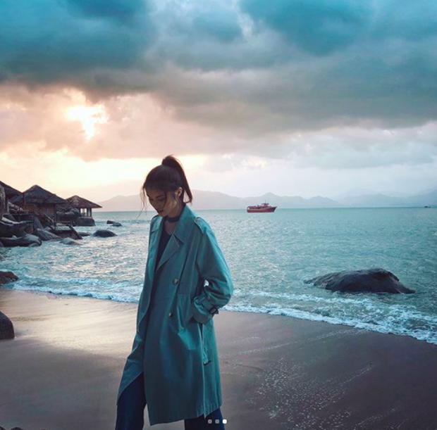 Chân dài Victorias Secret đình đám Sui He bất ngờ khoe loạt ảnh gợi cảm tại Nha Trang - Ảnh 8.