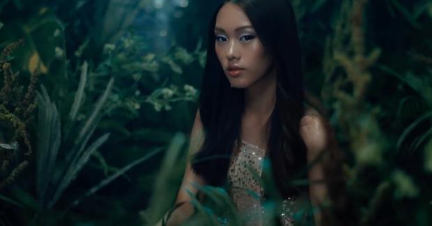 Stylist của Hoa hậu HHen Niê chia sẻ clip tâm đắc nhưng lại vô tình tố NTK Chung Thanh Phong đạo ý tưởng? - Ảnh 7.