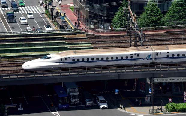 Điều chỉ có thể xảy ra ở Nhật Bản: Tàu hỏa biết giả tiếng chó và hươu để phòng tai nạn - Ảnh 1.