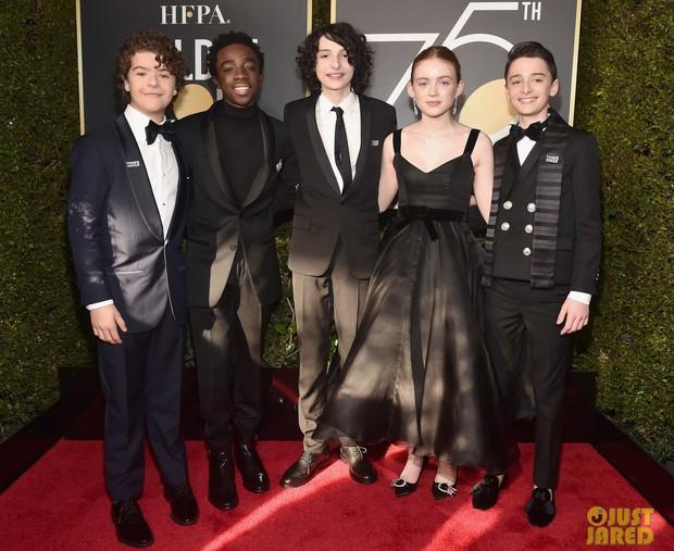 Thảm đỏ Quả Cầu Vàng 2018: Angelina, Kendall, Emma và dàn sao đồng loạt diện đồ đen chống nạn xâm hại tình dục - Ảnh 14.