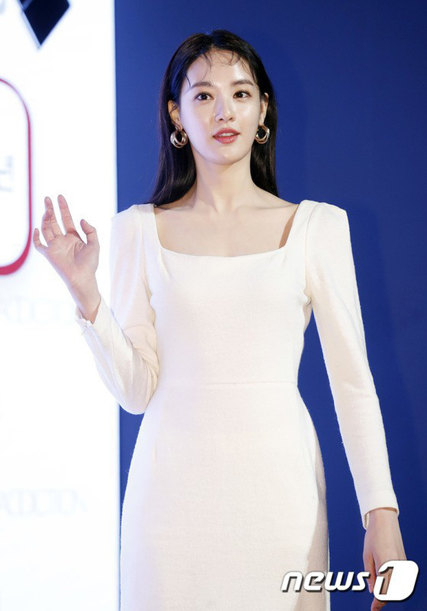 Tất tần tật về bạn gái G-Dragon: Mỹ nhân đẹp tự nhiên biến thành thảm họa giảm cân và tình sử với toàn sao hạng A - Ảnh 36.