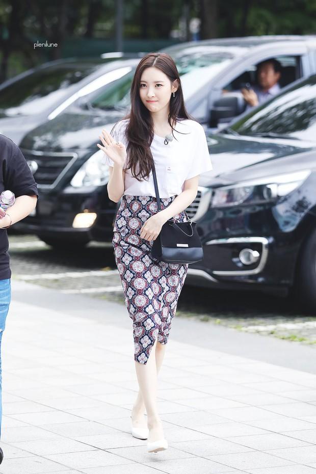 Cứ tưởng bị hắt hủi, nhưng thương hiệu thời trang của Jessica Jung vẫn được loạt sao Hàn thi nhau diện - Ảnh 17.