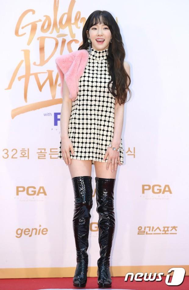 Thảm đỏ Golden Disc Awards: Bạn gái cũ Hyunbin trễ nải khoe ngực đầy bên Taeyeon diêm dúa, EXO và BTS đọ vẻ điển trai - Ảnh 20.