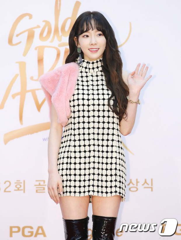 Thảm đỏ Golden Disc Awards: Bạn gái cũ Hyunbin trễ nải khoe ngực đầy bên Taeyeon diêm dúa, EXO và BTS đọ vẻ điển trai - Ảnh 21.