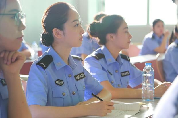 Trần Học Đông gặp tai nạn khi tự mình cân gần hết cảnh hành động trong Cuộc Gọi Bạc Tỷ - Ảnh 8.