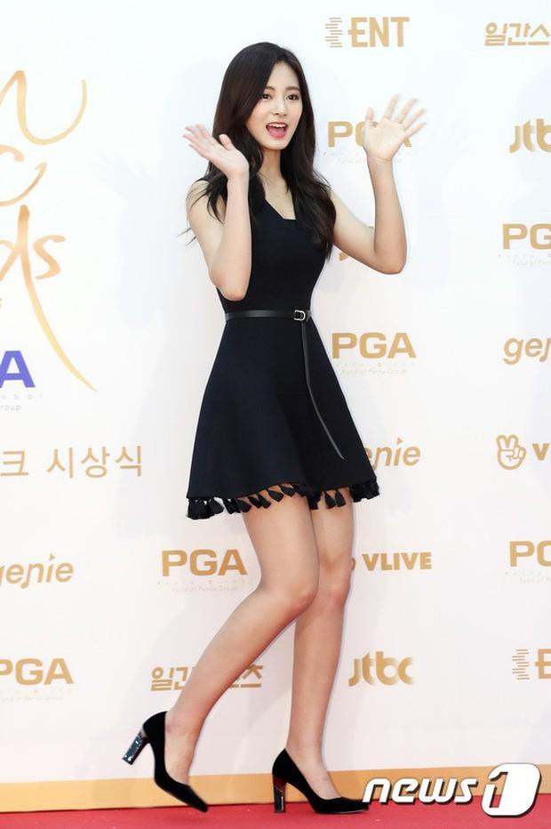 Thảm đỏ Golden Disc Awards: Bạn gái cũ Hyunbin trễ nải khoe ngực đầy bên Taeyeon diêm dúa, EXO và BTS đọ vẻ điển trai - Ảnh 9.
