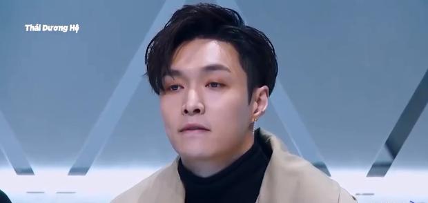 Biểu cảm khác biệt của Jackson (GOT7) & Lay (EXO) khi xem thí sinh Produce 101 Trung Quốc biểu diễn - Ảnh 6.