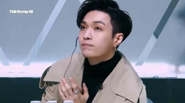 Biểu cảm khác biệt của Jackson (GOT7) & Lay (EXO) khi xem thí sinh Produce 101 Trung Quốc biểu diễn - Ảnh 7.