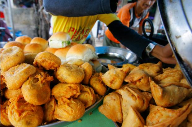 CNN vinh danh 23 khu ẩm thực đường phố đặc sắc nhất thế giới, Việt Nam tự hào có đại diện trong danh sách này - Ảnh 17.