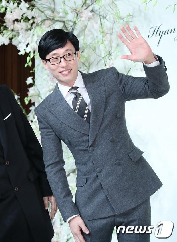 Đám cưới hội tụ toàn sao khủng: Lee Kwang Soo bỗng điển trai, Phạm Băng Băng Hàn Quốc bị mỹ nhân vô danh đè bẹp - Ảnh 5.