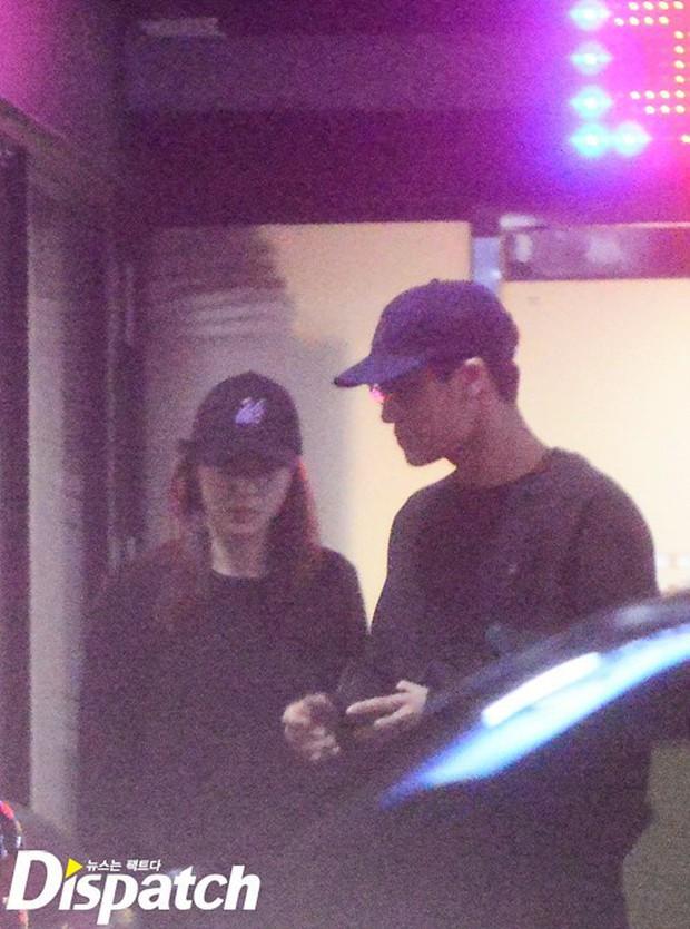 2 cô bạn gái của Kai (EXO) giống nhau khó tin: Nhan sắc, thần thái, thời điểm dính phốt thái độ, hẹn hò đều trùng hợp - Ảnh 28.