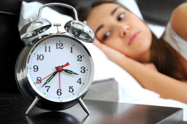 Nếu bị mất ngủ thường xuyên thì bạn nên thử những phương pháp này - Ảnh 7.