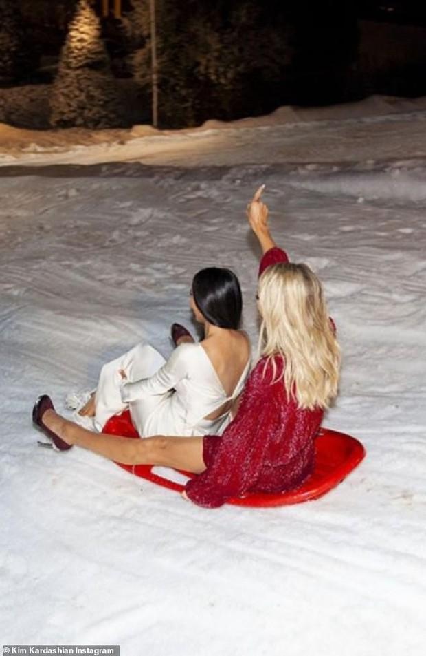Năm mới hãy thêm bạn bớt thù, như Kim Kardashian và Paris Hilton từ ghét nhau giờ thân thiết như tỷ muội tình thâm! - Ảnh 5.