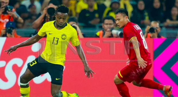 Bất ngờ: Malaysia chịu đến 2 thẻ đỏ chứ không phải 1 trong trận chung kết lượt về AFF Cup 2018 - Ảnh 1.