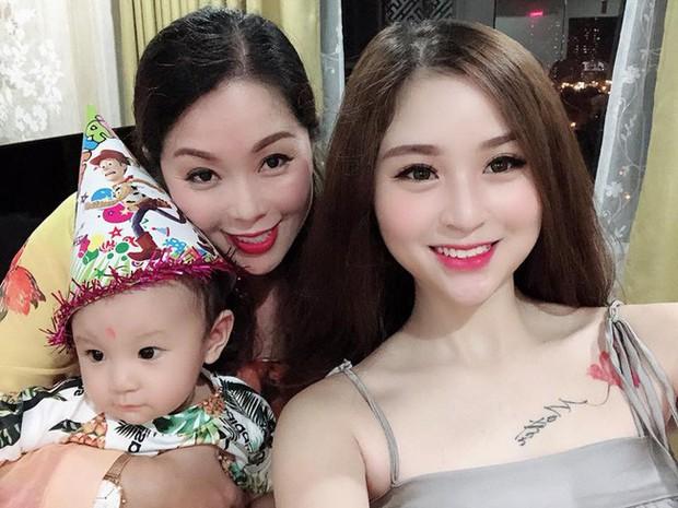 2 con gái diễn viên Thanh Tú cháo lòng: Chị là tiếp viên hàng không sắc sảo, em tươi trẻ dịu dàng - Ảnh 8.