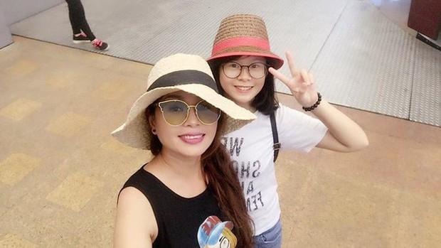 2 con gái diễn viên Thanh Tú cháo lòng: Chị là tiếp viên hàng không sắc sảo, em tươi trẻ dịu dàng - Ảnh 11.