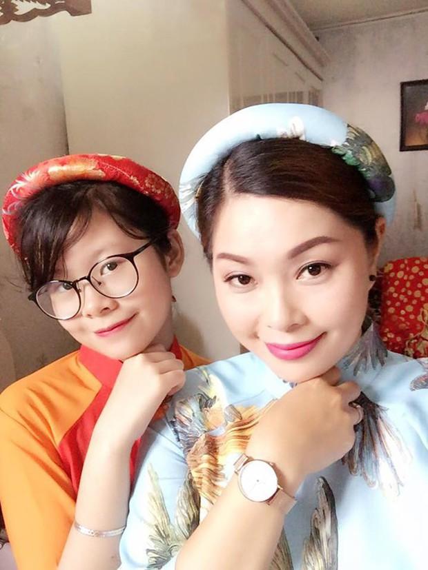 2 con gái diễn viên Thanh Tú cháo lòng: Chị là tiếp viên hàng không sắc sảo, em tươi trẻ dịu dàng - Ảnh 14.