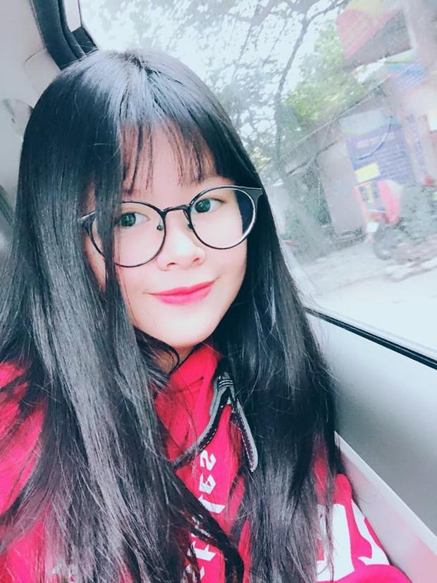 2 con gái diễn viên Thanh Tú cháo lòng: Chị là tiếp viên hàng không sắc sảo, em tươi trẻ dịu dàng - Ảnh 15.