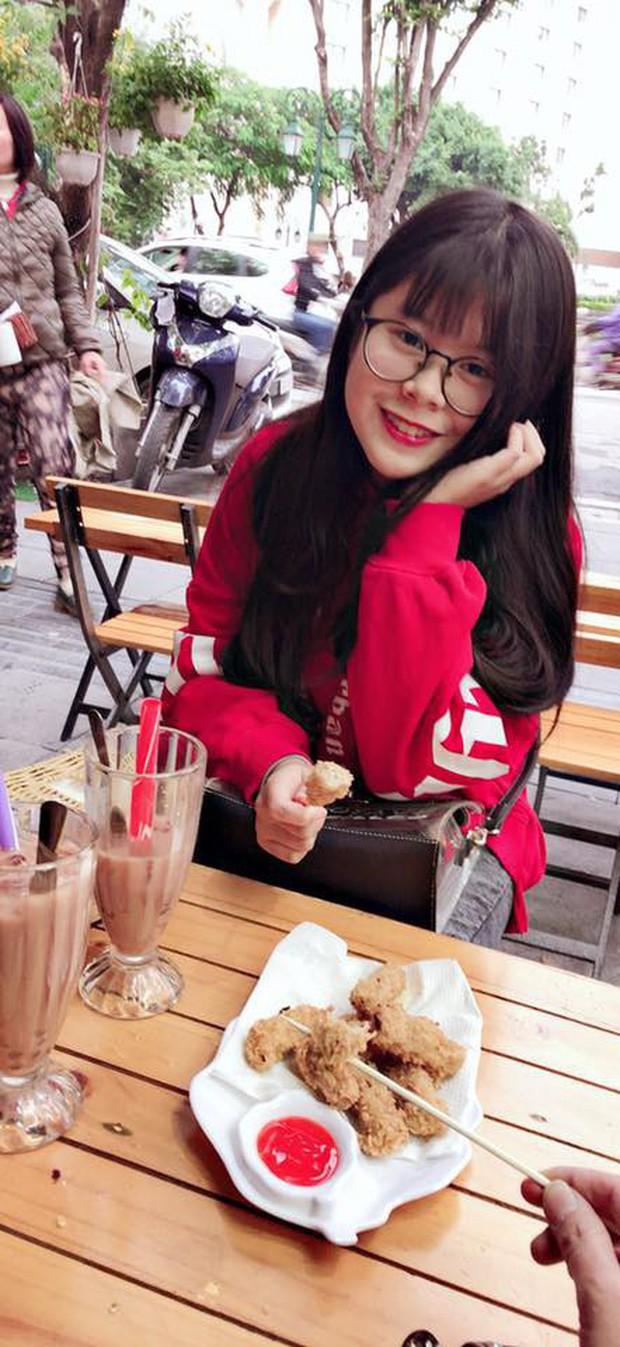 2 con gái diễn viên Thanh Tú cháo lòng: Chị là tiếp viên hàng không sắc sảo, em tươi trẻ dịu dàng - Ảnh 16.
