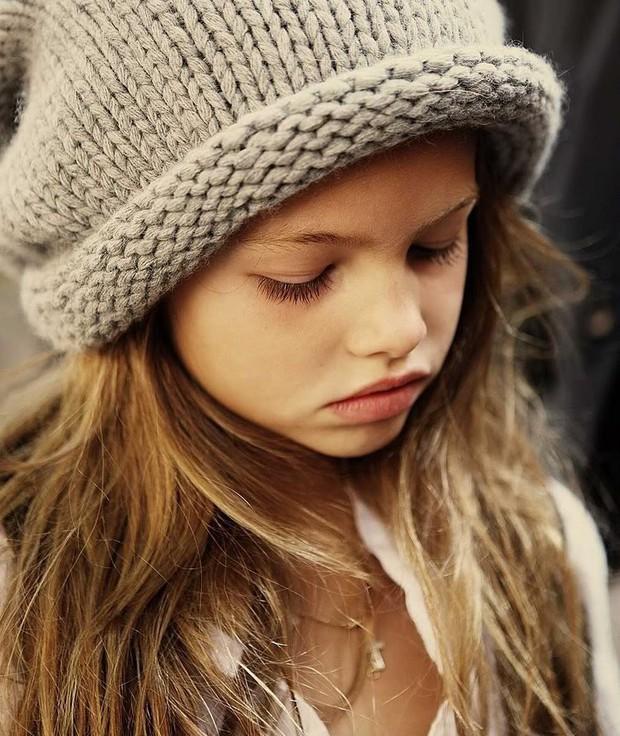 Khó tin vẻ ngoài của người mẫu nhí từng được mệnh danh cô bé đẹp nhất thế giới, gây tranh cãi với bộ ảnh gợi cảm sau 11 năm - Ảnh 4.