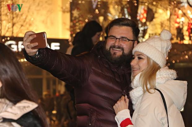 Người Séc hân hoan đón chào năm mới 2019 - Ảnh 8.