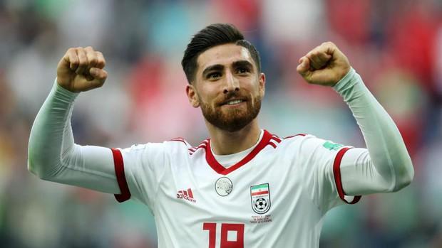 Sao Iran đang đá ở Ngoại hạng Anh bị sốc khi xem Việt Nam thi đấu - Ảnh 1.