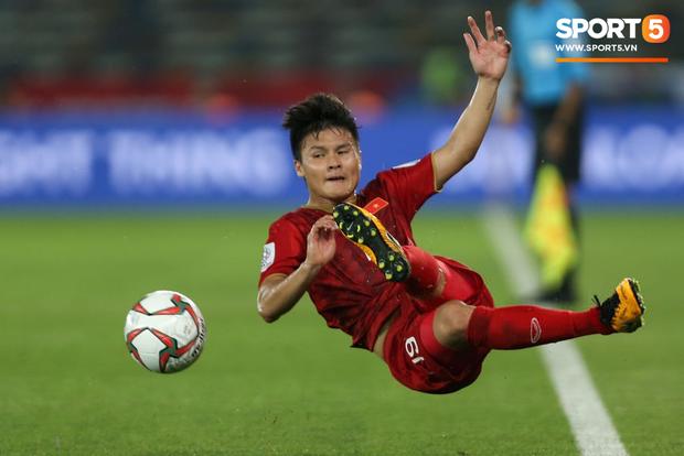 Pha đi bóng, dứt điểm đẳng cấp của Quang Hải lọt top 10 tình huống xử lý hay nhất tuần đầu Asian Cup - Ảnh 2.