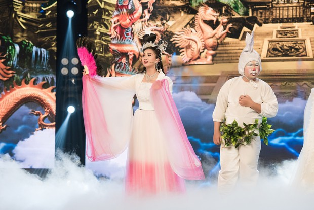 Hoa hậu Tiểu Vy lần đầu thử khả năng diễn xuất, đóng Táo 2019 cùng Mr Đàm, Cẩm Ly - Ảnh 2.