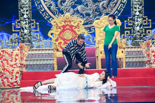 Hoa hậu Tiểu Vy lần đầu thử khả năng diễn xuất, đóng Táo 2019 cùng Mr Đàm, Cẩm Ly - Ảnh 4.
